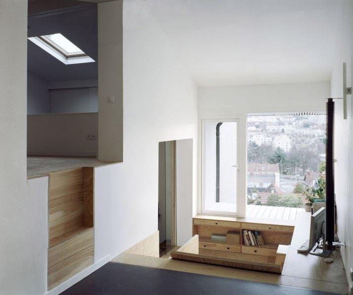 51f00ca3e8e44ea5b70000f2_a-suspended-room-nem-architectes_07
