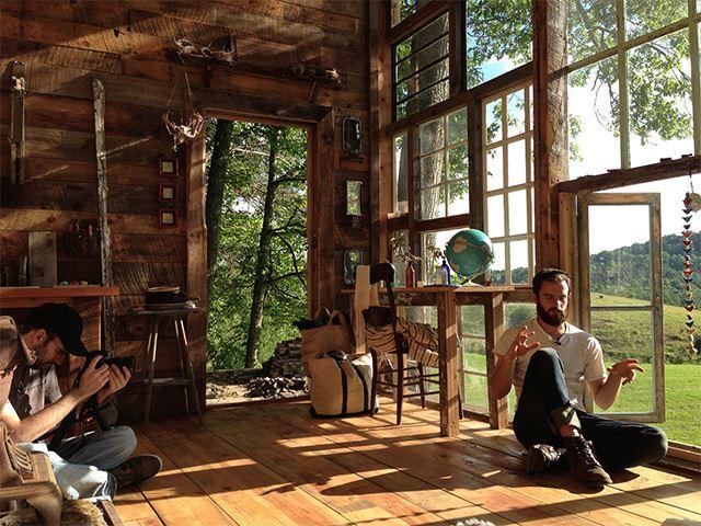 52333fd0e8e44e8f2b000006_a-house-made-of-windows_glass-3