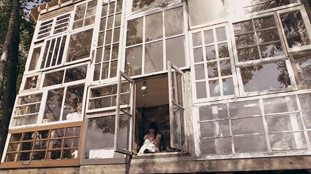52333fd7e8e44e37e7000004_a-house-made-of-windows_glass-5
