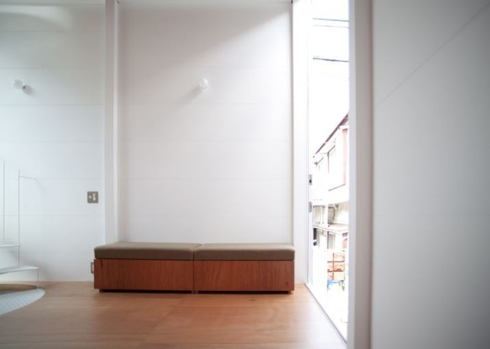 dezeen_Small-House-by-Unemori-Architects_