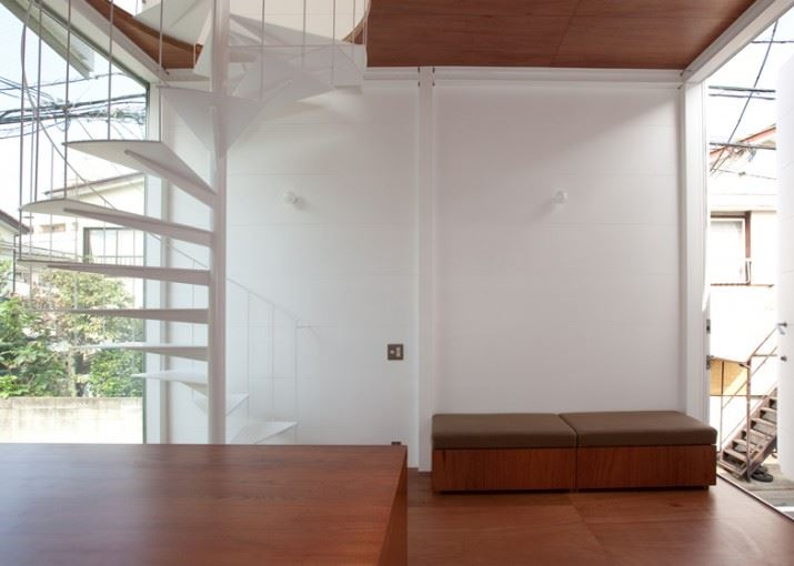 dezeen_Small-House-by-Unemori-Architects_ss_13
