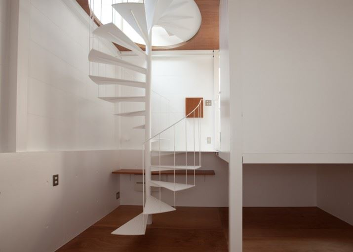 dezeen_Small-House-by-Unemori-Architects_ss_20
