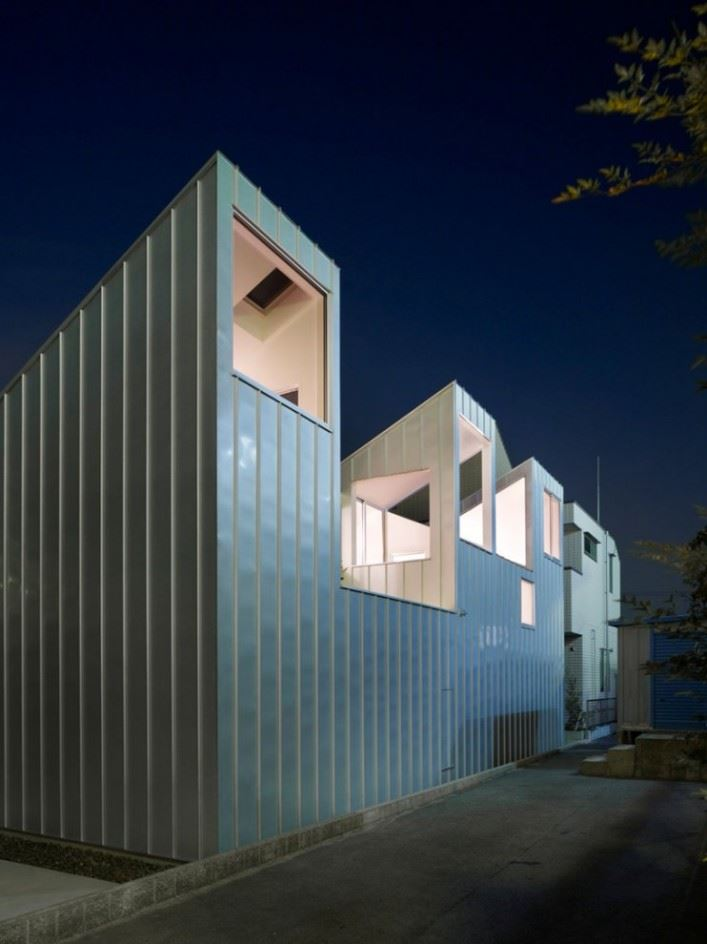 complex-house-04-707x944