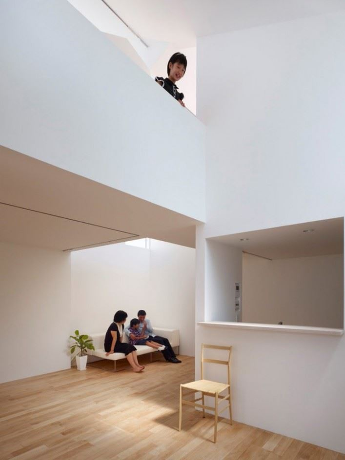 complex-house-09-707x944