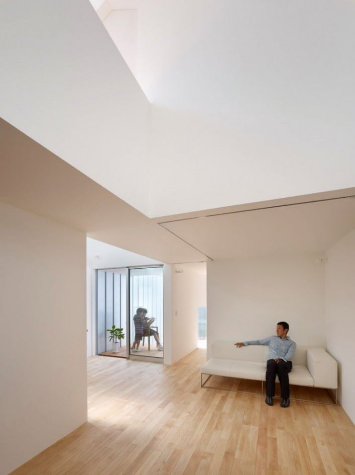 complex-house-10-707x944
