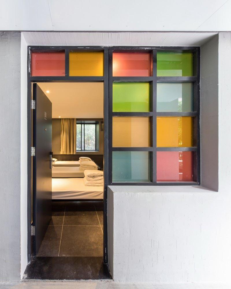 54b5dd5ee58ecedb9700006f_youth-hotel-of-id-town-o-office-architects_2880px-youth_hotel__14-800x1000