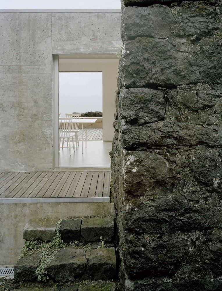 54c73a52e58ece99010000cf_e_c-house-sami-arquitectos_sami-17-763x1000
