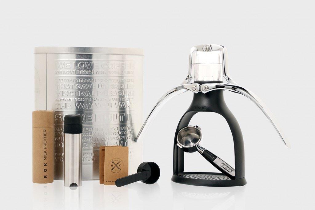 rokmaker-hand-powered-espresso-machine-classic-black-1