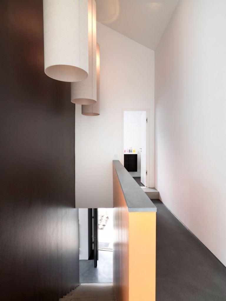 Minimalist-home-by-Ippolito-Fleitz-Group-Haus-F-17