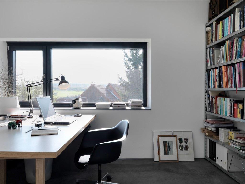 Minimalist-home-by-Ippolito-Fleitz-Group-Haus-F-19