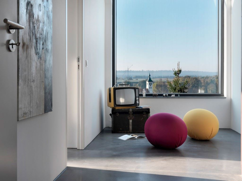 Minimalist-home-by-Ippolito-Fleitz-Group-Haus-F-21