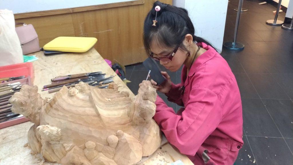 陳佩吟  木雕 藝術家